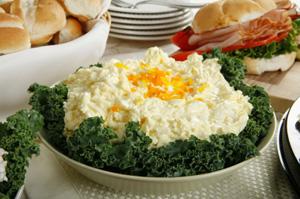 Салати с яйца и млечни продукти