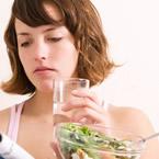 Прием на течности по време на хранене